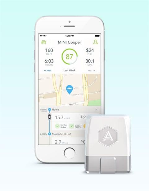 Automatic公司产品,可插入汽车OBD接口实时获取详细汽车数据